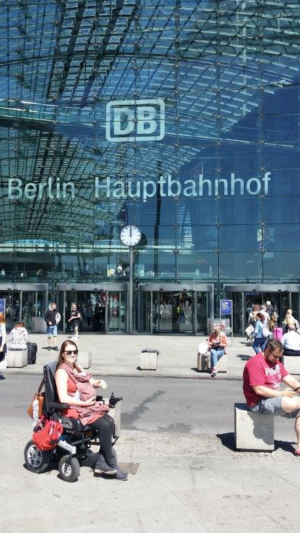Wheelymum am Hauptbahnhof Berlin