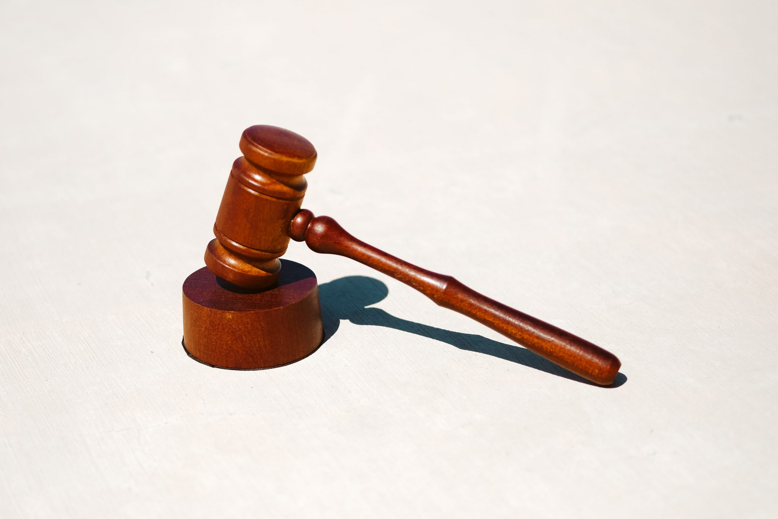 Hammer, der vor Gericht verwendet wird